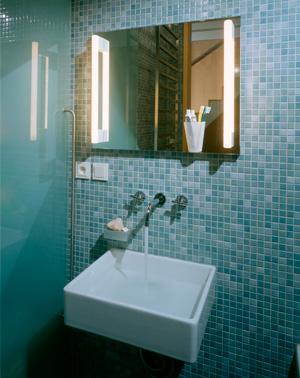1999 dum solidarita koupelna 11